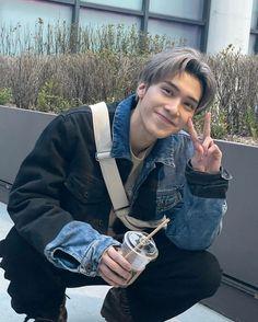 Nct 127, Macau, Winwin, Reaction Pictures, Taeyong, Boyfriend Material, K Idols, Jaehyun, Beautiful Boys