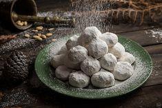 Τα 4 μυστικά μου για τέλειους κουραμπιέδες Christmas Desserts, Christmas Ideas, Chef, New Years Eve, Blueberry, Fruit, Cooking, Breakfast, Food