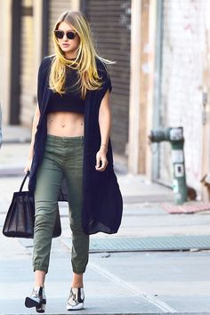 Gigi Hadid's Secret To Athleisure Is Easier Than You Think #refinery29  http://www.refinery29.com/2016/01/102185/gigi-hadid-style-pictures#slide-25  Model-off-duty meets...Madewell?...