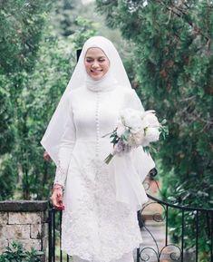 Malay Wedding Dress, Muslim Wedding Dresses, Dream Wedding Dresses, Bridal Dresses, Muslimah Wedding, Wedding Hijab, Simple Long Dress, Diy Wedding Veil, Minimal Wedding Dress