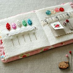 Needlebook Pattern ~ Passion for Sewing « Sew,Mama,Sew! Blog