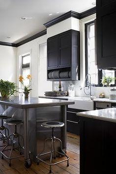adorned abode archive: Garden and Gun Featured Designer: O'Brien and Muse Black Kitchen Cabinets, Kitchen Stools, Black Kitchens, New Kitchen, Cool Kitchens, Kitchen Decor, Kitchen Ideas, Brown Cabinets, Kitchen Black