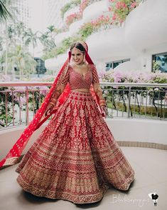 Indian Wedding Gowns, Indian Bridal Outfits, Indian Bridal Fashion, Indian Designer Outfits, Indian Dresses, Bridal Dresses, Wedding Lehenga Designs, Bridal Lehenga Collection, Red Lehenga