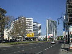 Wohn- und Büroviertel in Charlottenburg ( #berlin #living #wohnen #immoscout #immobilienscout24 #charlottenburg #kiez #haus #wohnung #zuhause #umzug #stadtviertel ) >> Die Hardenbergstraße ist eine rund 1100 Meter lange Straße im Ortsteil Berlin-Charlottenburg (Bezirk Charlottenburg-Wilmersdorf) und stellt die Verbindung zwischen dem Breitscheid- und dem Ernst-Reuter-Platz her. [..]