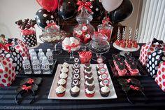 Mickey party w/ cake pops