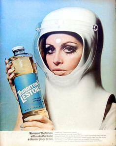 Paperwalker: Futurism of the 1960s: Women In Space