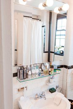 Wendy Rowe's bathroom