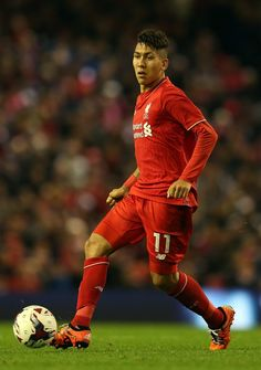 Roberto Firmino of Liverpool in action during the Capital One Cup Fourth Round match between Liverpool and AFC Bournemouth at Anfield on October 28, 2015 in Liverpool, England. (Oct. 28, 2015 - Source: Chris Brunskill/Getty Images Europe)