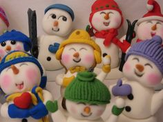 the Happy Snowmen - by Sue Harkin @ CakesDecor.com - cake decorating website
