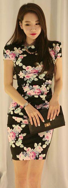 [Korean drama Kpop star fashion] Asian women fashion style Flower pattern shearing Dress