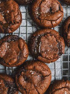 salted caramel filled chocolate cookies | petit bakes