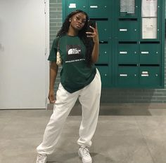Cute Comfy Outfits, Tomboy Outfits, Chill Outfits, Tomboy Fashion, Dope Outfits, Retro Outfits, Streetwear Fashion, Trendy Outfits, Fashion Outfits