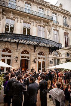 Mariage aux Salons France-Amériques   Photography: K Hulett Photography - khpstudio.com/  Read More: http://www.stylemepretty.com/destination-weddings/2015/03/14/romantic-paris-summer-wedding/