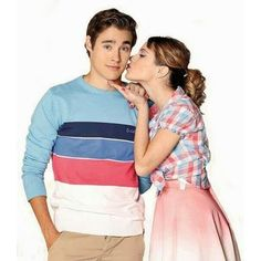 Disney Channel, Debby Ryan, Violetta Outfits, Amy Jo Johnson, Rebecca Zamolo, Violetta Live, Cinema Tv, Kissing In The Rain, Teen Girl Fashion
