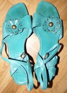 33002a71be9 À vendre sur  vintedfrance ! http   www.vinted.fr chaussures-femmes bottes-and-bottines 24106940-low-boots-compenses-camel-naf-naf-neuves