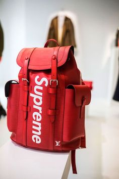 Hear what the staff of Highsnobiety thinks about the divisive Louis Vuitton x Supreme which debuted at Paris Fashion Week. Supreme Backpack, Supreme Bag, Supreme Stuff, Supreme Shoes, Fashion Bags, Fashion Accessories, Mens Fashion, Paris Fashion, Luxury Fashion