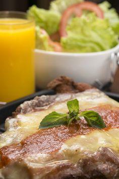 Milanesa Gigante: pedida para o almoço! (Sabor de Luna, Porto Alegre, RS, Brasil)