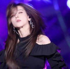 Blackpink Memes, Kpop Memes, Meme Faces, Funny Faces, Kpop Girl Groups, Kpop Girls, Blackpink Funny, Blackpink Jisoo, Mamamoo
