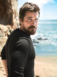 Christian Bale in 2013 Hollywood Mavericks. After redefining the superhero genre as Batman, Bale is back to doing what he loves best: disappearing into messy, larger-than-life characters—leading-man looks be damned—for fiercely independent filmmakers. Gorgeous Men, Beautiful People, Hello Gorgeous, Celebridades Fashion, Actrices Hollywood, Jake Gyllenhaal, Raining Men, Celebs, Celebrities
