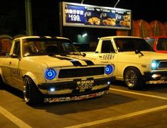 Old-School Datsun with LED lights. Pick Up Nissan, Nissan Sunny, Toyota Trucks, Import Cars, Mini Trucks, Jdm Cars, Pickup Trucks, Cars And Motorcycles, Hot Rods