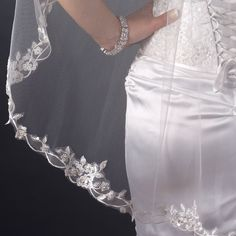 Close-up of Single Layer Fingertip Length Floral Embroidered Edge with Bugle Beads & Sequins Veil (2324)