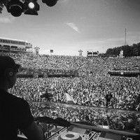 Chuckie - Live @ Tomorrowland 27.07.2013 by DJCHUCKIE on SoundCloud