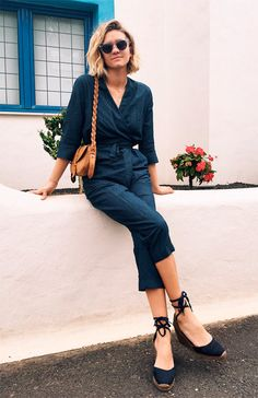 Street style look macacão jeans