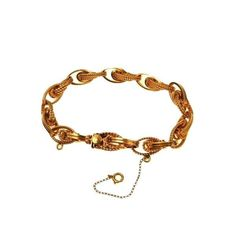 """Spectacular vintage bracelet! Chunky fancy link chain composed of double spiral links which alternate smooth and twisted. - Measuring 3/8"""" at the widest and 6.75"""" maximum wearable length. - Very nice"""