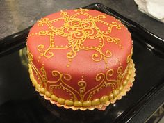 no recipe but what an idea-henna pattern  inspired cakes and cookies
