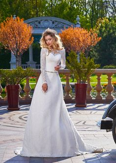 "Wedding dress Nensi from ""Jasmine ♔ Empire"". Contacts salons in your city ✉ ✆"