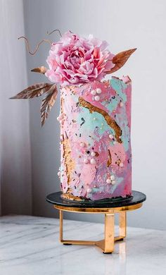 Be inspired by these pretty wedding cakes! We are having a major swoonnsesh over these gorgeous wedding cakes. These latest wedding cakes are the latest instragram wedding cake trend from fabulous artist cake designers. Pretty Wedding Cakes, Wedding Cakes With Flowers, Wedding Cake Designs, Pretty Cakes, Cute Cakes, Wedding Themes, Wedding Colors, Flower Cakes, Wedding Ideas