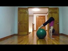 yoga ball full-body workout in 5 mins- mixture of pilates and yoga moves Core Strength Training, Core Stability, Yoga Moves, Medicine Ball, Yoga Meditation, Stay Fit, Fitness Inspiration, Pilates, Full Body