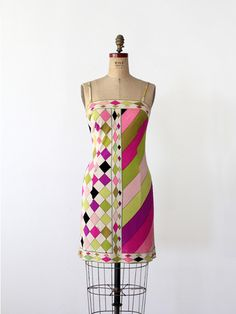 A mod print colors this vintage Emilio Pucci mini dress. The silk dress features a fitted cut with slender straps and a zipper closure. 60s And 70s Fashion, 60 Fashion, Fashion History, Retro Fashion, Vintage Fashion, Fashion Design, Classic Fashion, Vintage Dresses, Vintage Outfits