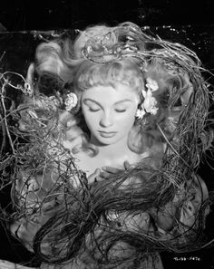 Jean Simmons as Ophelia in 1948