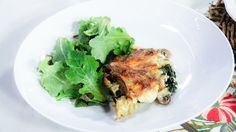 Chef Lynn Crawford shares a make-ahead meal recipe that the whole family with love. - Creamy Mushroom and Spinach (Swiss chard) Lasagna No-Meat Lasagna Chef Recipes, Veggie Recipes, Great Recipes, Vegetarian Recipes, Cooking Recipes, Healthy Recipes, Savoury Recipes, Juice Recipes, Yummy Recipes