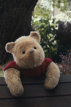 You are watching the movie Christopher Robin on Putlocker HD. Working-class family man Christopher Robin encounters his childhood friend Winnie-the-Pooh, who helps him to rediscover the joys of life. Winne The Pooh, Cute Winnie The Pooh, Winnie The Pooh Quotes, Winnie The Pooh Friends, Winnie The Pooh Videos, Cute Disney, Disney Art, Disney Concept Art, Christopher Robin Movie