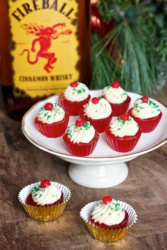 Yield: 30 jello shots Ingredients: for the fireball jello shots: cup ginger ale 2 envelopes plain gelatin cup Fireball whisky Few drops red food coloring for the fireball buttercream: Fireball Jello Shots, Fireball Recipes, Fireball Whiskey, Jello Shot Recipes, Alcohol Recipes, Cupcake Recipes, Drinks Alcohol, Alcoholic Drinks, Beverages