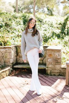 85 bästa bilderna på Flared White Jeans  2febf0c55c73c
