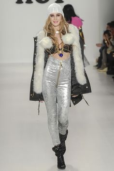 BETSEY JOHNSON 2014-15 A/W