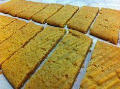 Liian hyvää: Kinuskipikkuleivät No Bake Cookies, Baking Cookies, Yams, Cornbread, Sweet Recipes, Banana Bread, Sweet Tooth, Muffins, Food And Drink