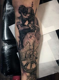 80 Clock Tattoo Designs For Men - Timeless Ink Ideas Leg Quote Tattoo, Sad Tattoo, Clever Tattoos, Unique Tattoos, Feather Tattoos, Body Art Tattoos, Clock Tattoos, Portrait Tattoos, Face Tattoos