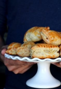 Chicken Puff Pastry {Chicken Patties} - great appetizer for parties and can be made in 30 minutes!: