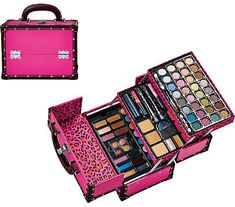 ULTA Beauty Treasures 70pc. Blockbuster - ring out the beauty in you with the ULTA Beauty Treasure 70pc. Blockbuster collection. This case has everything you need to try out new looks at home or carry with you on a weekend getaway.