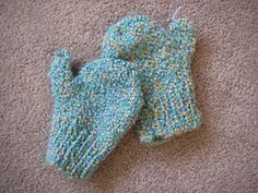 Ravelry: Family of Mittens (knit) pattern by Lion Brand Yarn Toddler Mittens, Baby Mittens, Knit Mittens, Knitting Patterns Free, Free Knitting, Baby Knitting, Free Pattern, Lion Brand Patterns, Kids Patterns