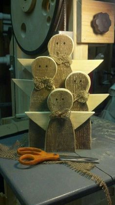 Hand crafted Rustic Wooden Angel Family by TheWoodmen on Etsy Christmas Wood Crafts, Pallet Christmas, Christmas Angels, Rustic Christmas, Christmas Projects, Holiday Crafts, Christmas Crafts, Christmas Decorations, Christmas Ornaments