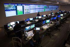 Waterfalls and flywheels: General Motors' new hyper-green data center Minecraft Server Hosting, Network Organization, Innovation Management, Windows Server, Commercial Architecture, Real Estate News, Commercial Real Estate, Information Technology, Investing