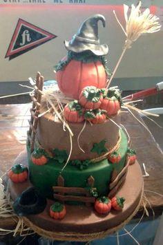 happy halloween Happy Halloween, Birthday Cake, Tasty, Desserts, Food, Birthday Cakes, Meal, Deserts, Essen