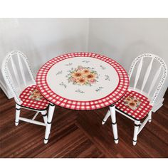 Sunflower Table and Chair Set from PoshTots