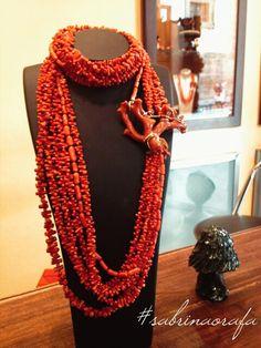 *** Put lots of jewelry, you will notice less wrinkles. *** Mettetevi molti gioielli, le rughe si noteranno meno. #sabrinaorafa  #jewelry #gioielli #fashion #madeinitaly #luxury #collana #corallo #fashionblogger #pietrepreziose #sicilia #handmade #sicily #collana #orecchini #lusso  #bracciali #madeinsicily #italianstyle #jewelry #jewelery #luxury #ювелирныеизделия #ジュエリー #joyas #accesories #luxuryjewels #jewels #carvedcoral #necklage @nocrop_rc #rcnocrop