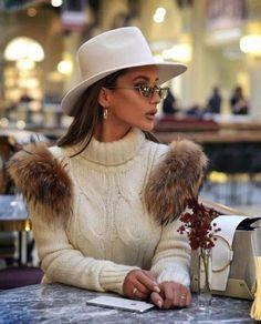 Winter Fashion Outfits, Look Fashion, Autumn Winter Fashion, Winter Outfits, Womens Fashion, Autumn Style, Fashion Hats, Autumn Fall, Latest Fashion